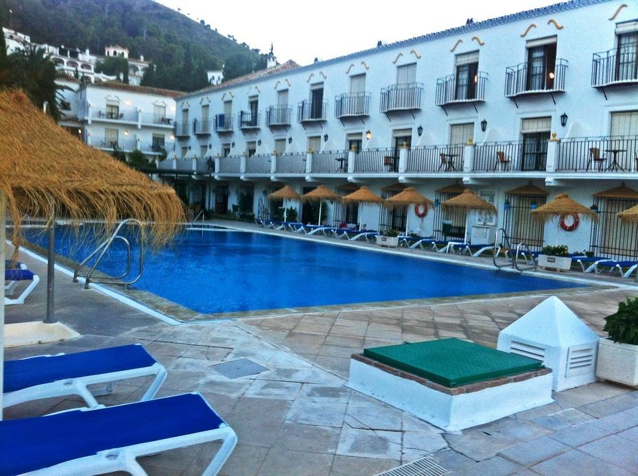 地中海边西班牙,白色小镇米哈斯-游西葡摩直之二十一 - 侠义客 - 伊大成 的博客