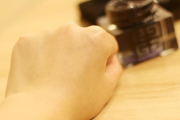 纪梵希升级尊贵之选,墨藻珍萃系列黑金新品。 - 草莓小玩子 - 【不再设置评论功能。有事请邮件联系。】