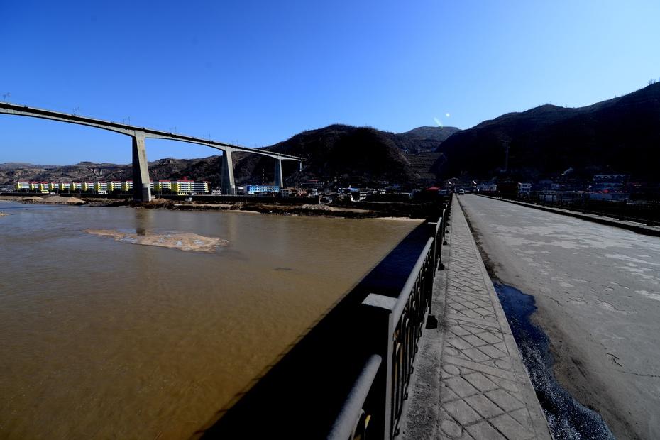 晋陕黄河行:绥德天下第一楼 - 余昌国 - 我的博客