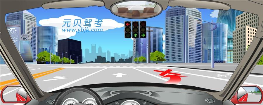 如下圖,進入交叉口前,車輛不允許跨越白色實線變更車道。答案是對