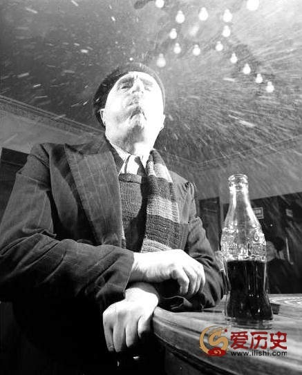 50年代可口可乐初登法国 被疑有毒 - 爱历史 - 爱历史---老照片的故事