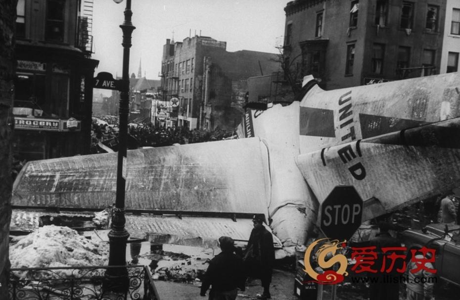 1960年两客机纽约上空相撞 - 爱历史 - 爱历史---老照片的故事