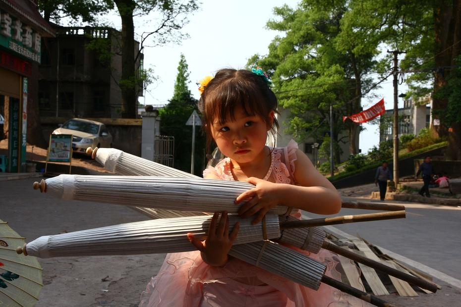 走进四川泸州分水油纸伞传习所 - 余昌国 - 我的博客
