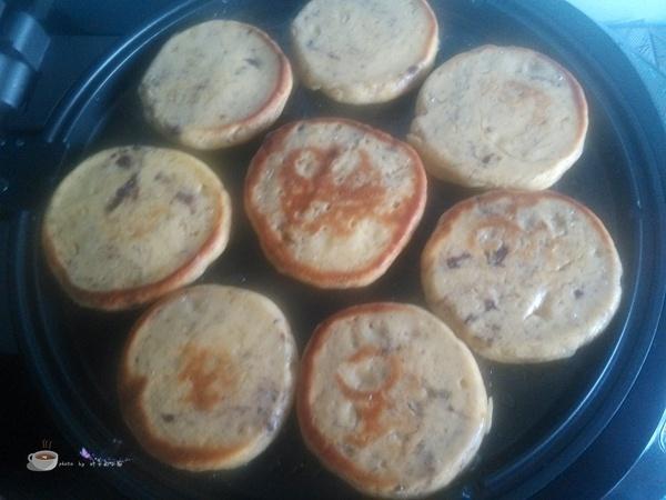 绝度值得一试的贴饼子方子---蓝莓黄豆面贴饼子 - 叶子的小厨 - 叶子的小厨