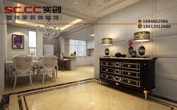 白色的欧式家具,精致细腻,墙面和顶面欧式线条的处理增添了空间中华丽