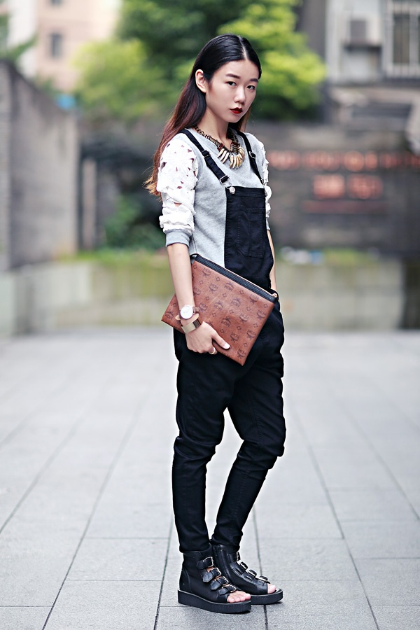 【Ava搭配日记】镂空让秋天不沉闷 - AvaFoo - Avas Fashion Blog