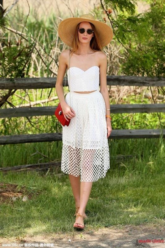 小白裙出街拼的就是细节 蕾丝薄纱镂空网格啥都有 - 嘉人marieclaire - 嘉人中文网 官方博客