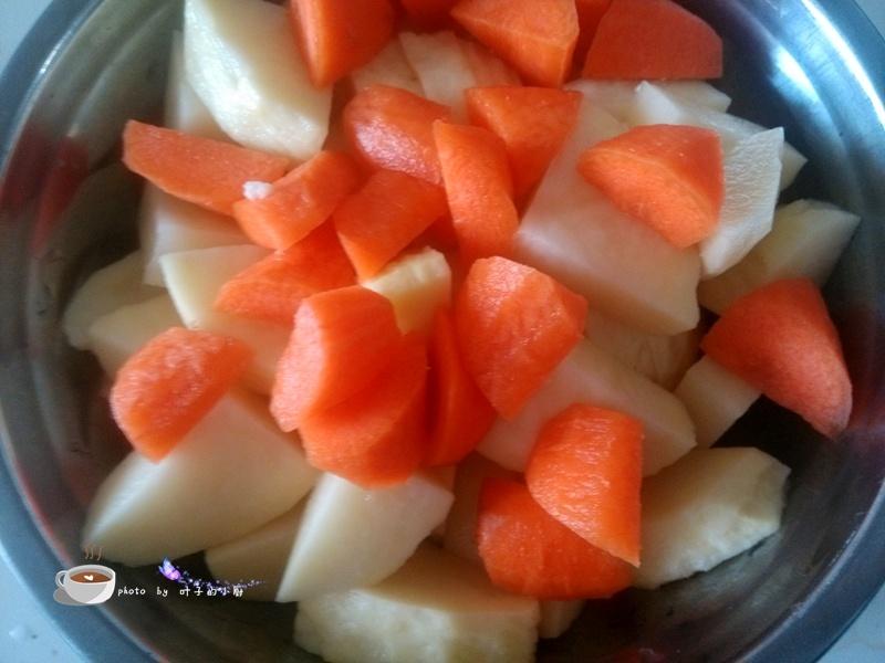 西红柿炖牛腩 - 叶子的小厨 - 叶子的小厨