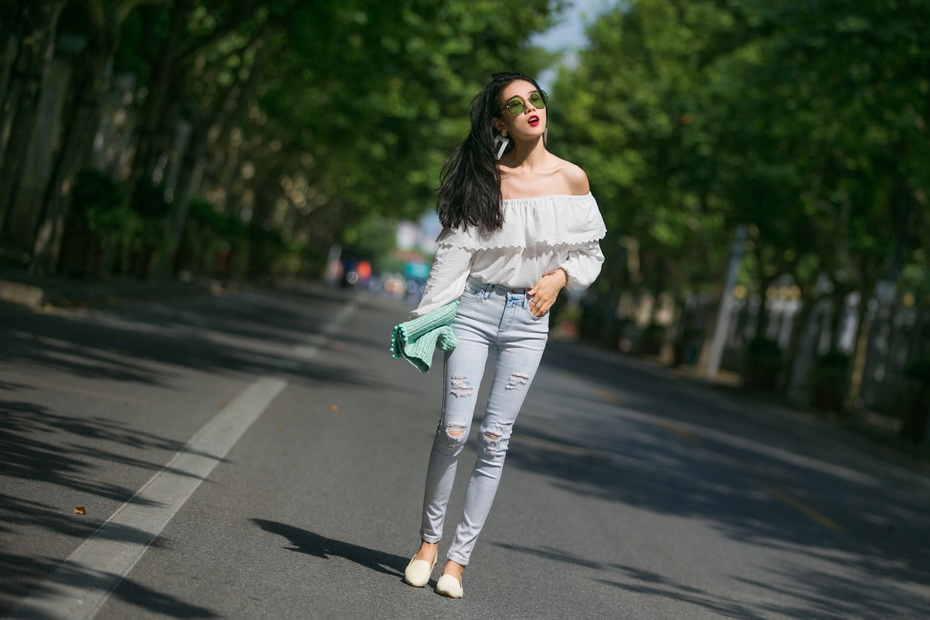 [Ava搭配周记]必BUY元素,露肩穿出纸片人的消瘦感! - AvaFoo - Avas Fashion Blog