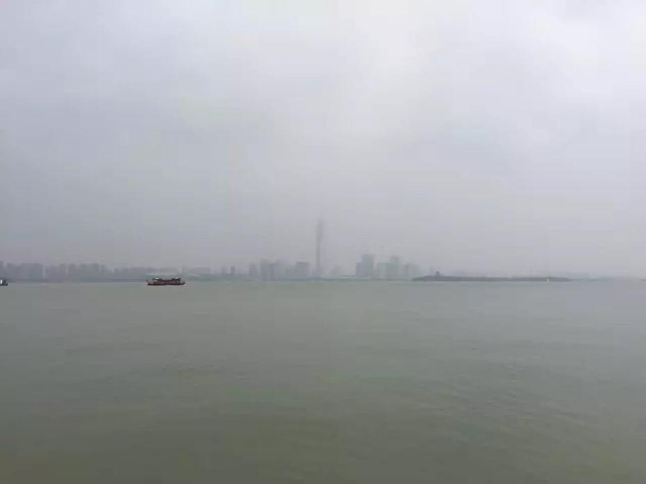 金鸡湖边吹吹风 - 蔷薇花开 - 蔷薇花开的博客