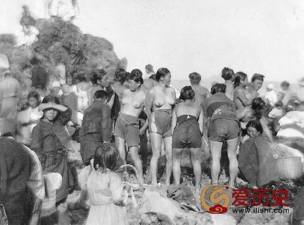 1929年袒胸露乳的韩国海女 - 爱历史 - 爱历史---老照片的故事