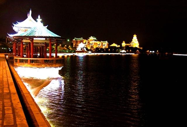 厦门集美区龙舟池夜景 - 小马马倌 - 小马马倌的博客