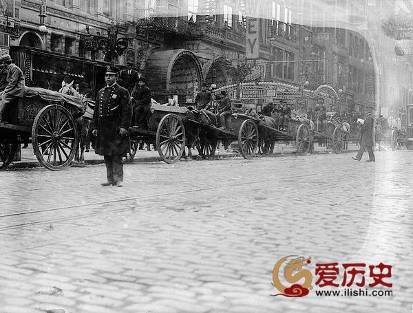 1911年纽约清洁工人罢工 垃圾堆满大街 - 爱历史 - 爱历史---老照片的故事