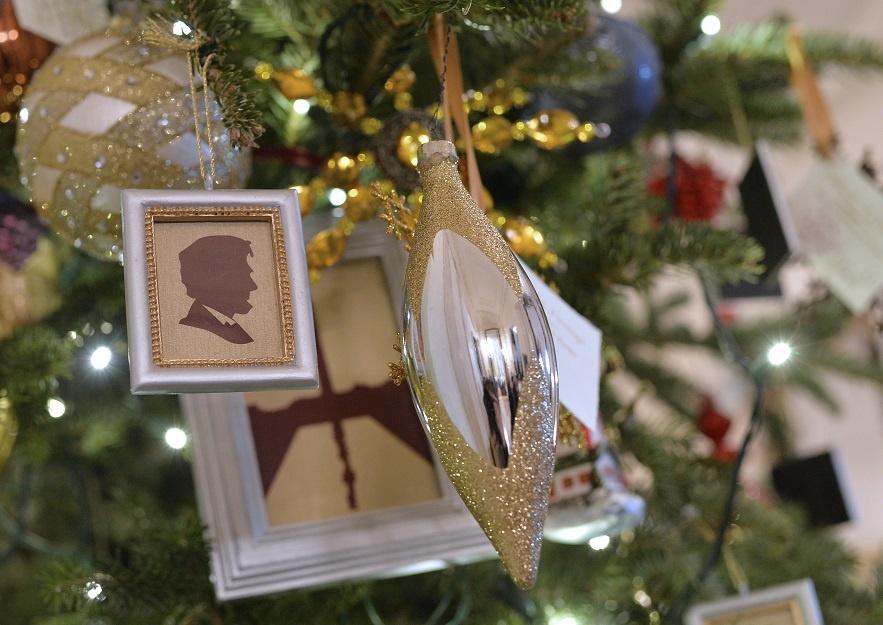 白宫的圣诞装饰啥样(组图) - dengjianfu2356 - dengjianfu2356的博客