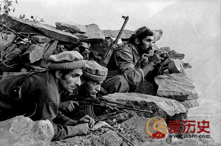 塔利班的前身:苏联入侵前的圣战者 - 爱历史 - 爱历史---老照片的故事