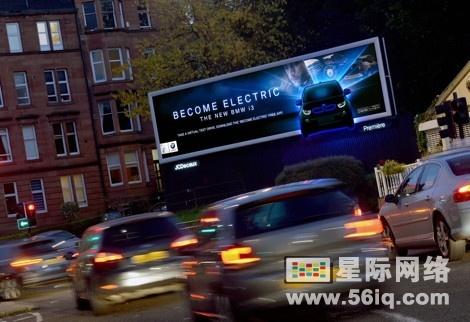 宝马全电动汽车宣传片横贯全英户外数字广告牌