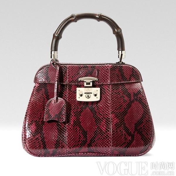 彩色蛇纹单品冬季最点睛 - VOGUE时尚网 - VOGUE时尚网