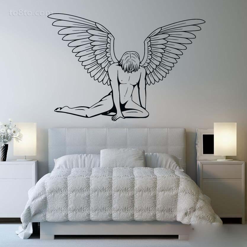 在艺术墙绘上,延续了黑白的主色调
