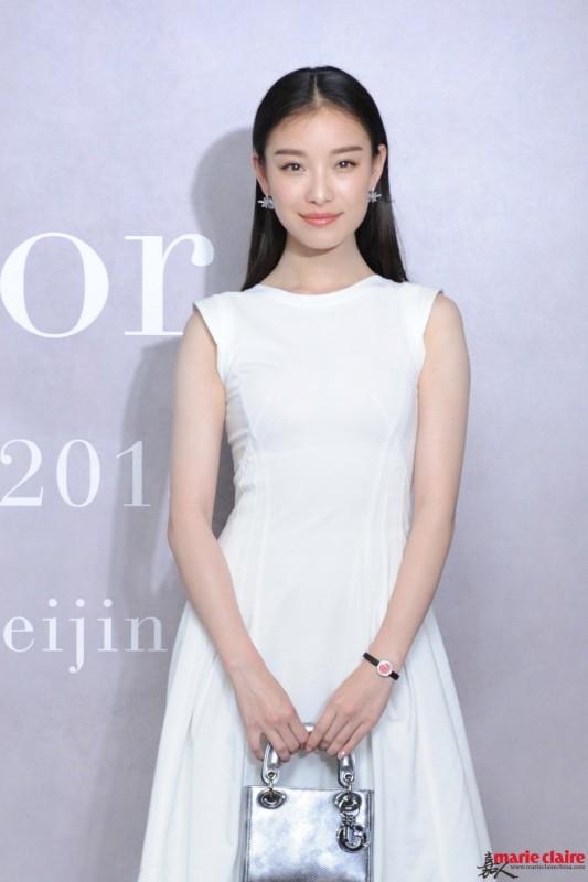 大气倪妮遇上暖心小井 把珠宝戴得这么美的她爱情运怎会差 - 嘉人marieclaire - 嘉人中文网 官方博客