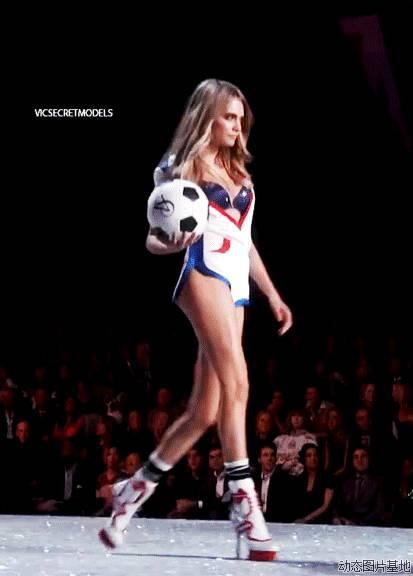 欧洲杯 | 让我们做个时髦伪球迷 - toni雌和尚 - toni 雌和尚的时尚经