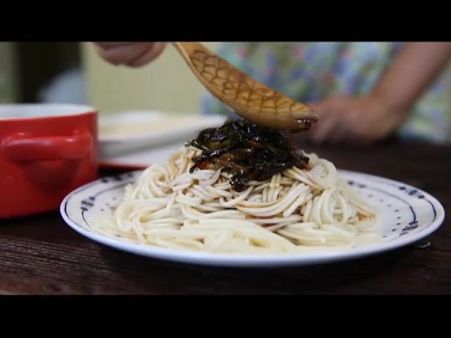 夏日清凉小快手!10分钟搞定完美晚餐 葱油面 - 蓝冰滢 - 蓝猪坊 创意美食工作室