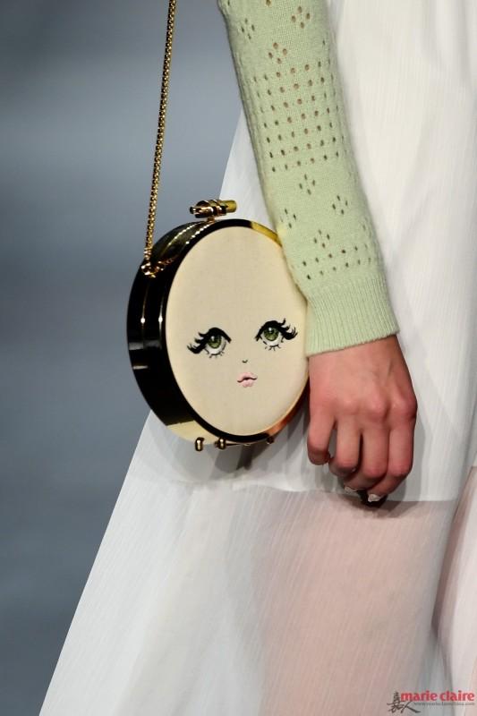 """时装周趣味潮包赚足眼球 """"包包控""""银子备好了吗? - 嘉人marieclaire - 嘉人中文网 官方博客"""