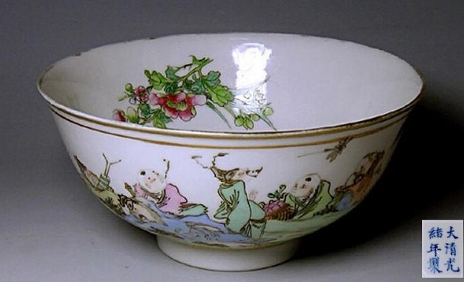 这样的碗,是寿碗,回去给小孩子用,避邪免灾,增寿;大人用,招财过宝添寿