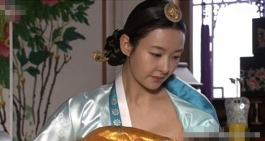 韩女星哺乳用替身未打码惹非议(图) - 对酒当歌 - 对酒当歌网易娱乐