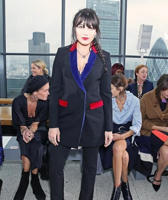 除了秀长腿和翘臀 真正的时髦妞都在穿什么 - 嘉人marieclaire - 嘉人中文网 官方博客