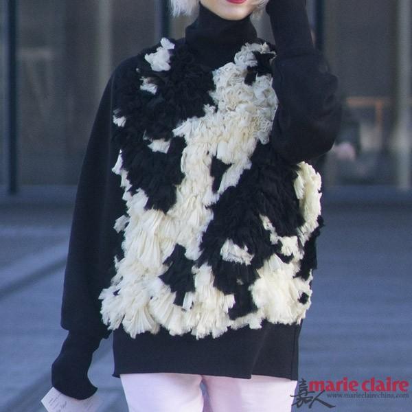 秋意渐浓冬季未满 一件粗线毛衣只慵懒不臃肿 - 嘉人marieclaire - 嘉人中文网 官方博客