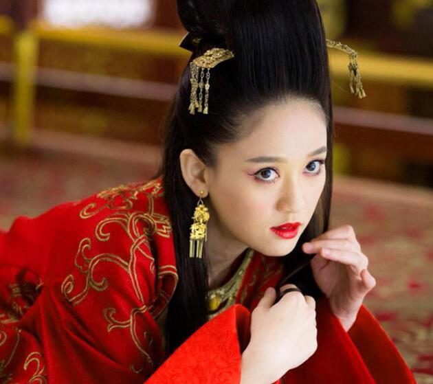 """女星""""妖神造型""""PK 谁能赢得了""""小骨""""? - 嘉人marieclaire - 嘉人中文网 官方博客"""