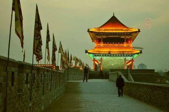 【原创摄影】青州古城夜景1 - 古藤新枝 - 古藤的博客