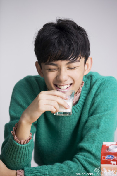 明星自拍表情包 快收藏来斗图吧 - 嘉人marieclaire - 嘉人中文网 官方博客