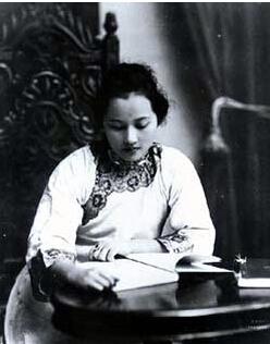 宋庆龄晚年不为人知的一段婚姻:毛泽东亲自批准 - 狙击手 - 十字分割的世界
