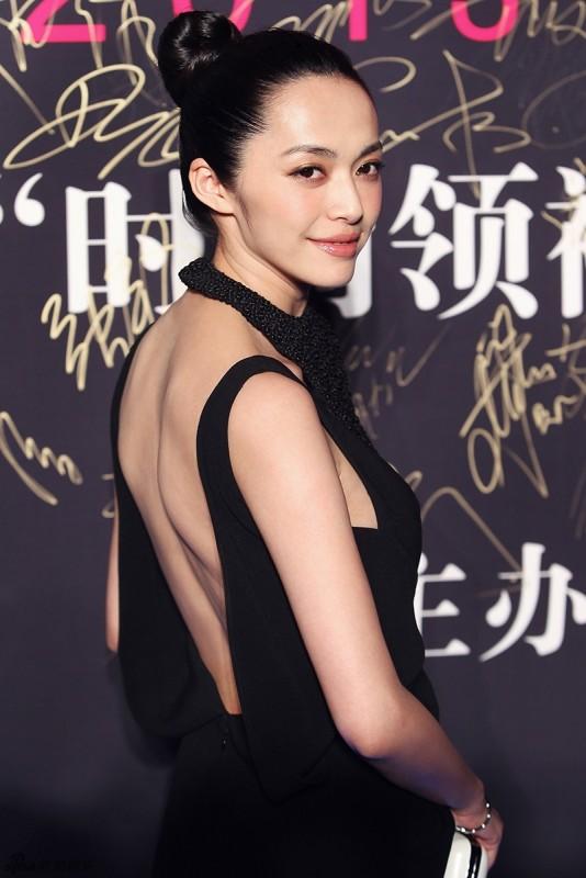 转身后的惊艳 女星绝美露背裙吸睛大法 - 嘉人marieclaire - 嘉人中文网 官方博客