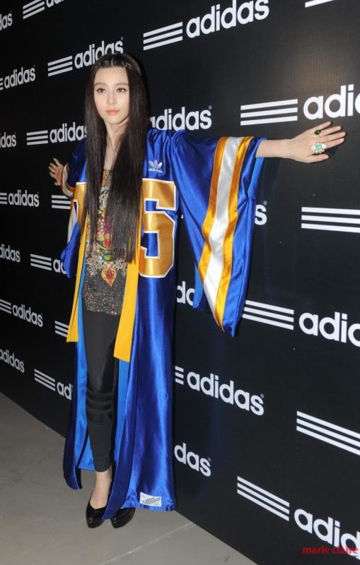 舒淇引领女侠Style 女星都有一件酷斗篷 - 嘉人marieclaire - 嘉人中文网 官方博客