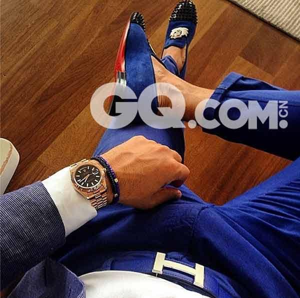男人如何在朋友圈里秀 戴表的七姿十六式 - GQ智族 - GQ男性网官方博客