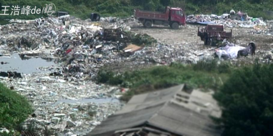 实拍武汉一些人大发垃圾填河财 - 洒水车、油罐车 - 洒水车 运水车 水罐车直销