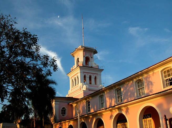 三权广场         三权广场是巴西标志性建筑之一,也是巴西旅游