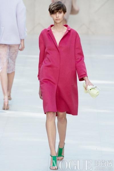 2014春夏趋势要素:春日外套 - VOGUE时尚网 - VOGUE时尚网