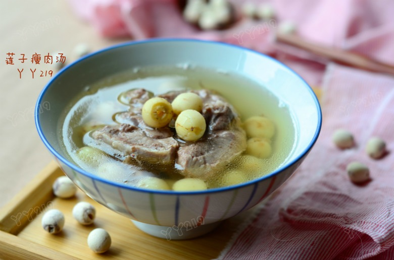 献给妈妈的养心安神汤——【莲子瘦肉汤】 - 慢美食 - 慢 美 食