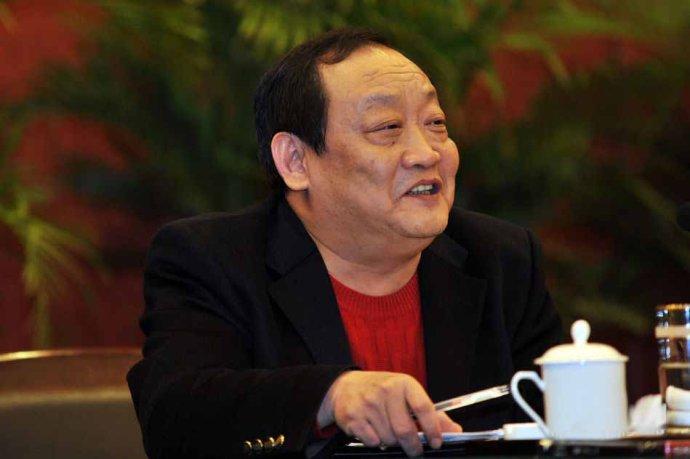 中国/一个农民的儿子成长为辽宁首富,一个穷乡僻壤的村队长成为中国...