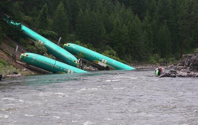 三架波音737一起掉河里了 - 心路独舞 - 心路独舞
