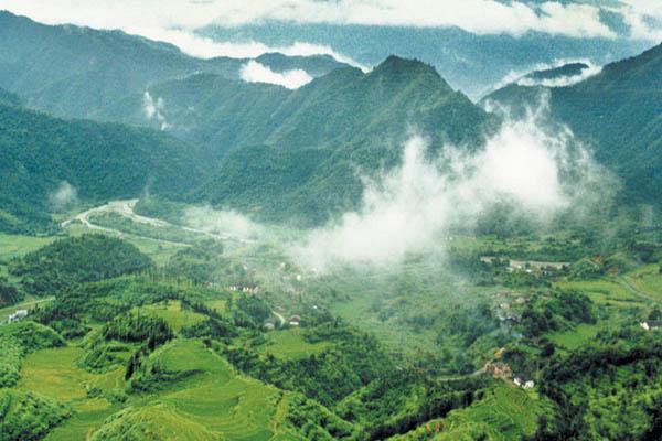 彝族地区风景图片