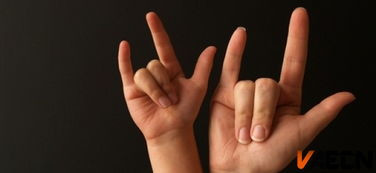 [转载]常按手指这几个部位,对中老年人健康特别好!(真人示范)