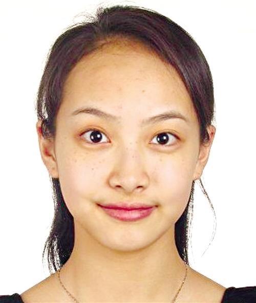 刘诗诗证件照被赞天然美人