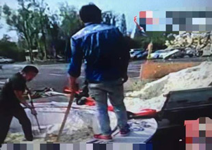 扬洲:4192公斤扬州炒饭破吉尼斯后,被垃圾车运走。谁人敢 ... - 洒水车、油罐车 - 洒水车 运水车 水罐车直销