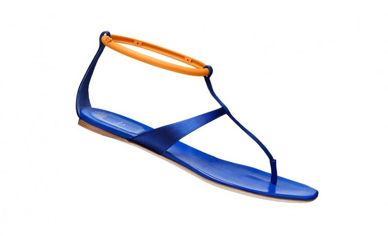 蓝色漩涡 抵抗不了的海洋系单品 - VOGUE时尚网 - VOGUE时尚网