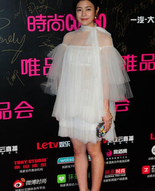 陈妍希变女壮汉 女神也敌不过短裙和粗腿 - 嘉人marieclaire - 嘉人中文网 官方博客