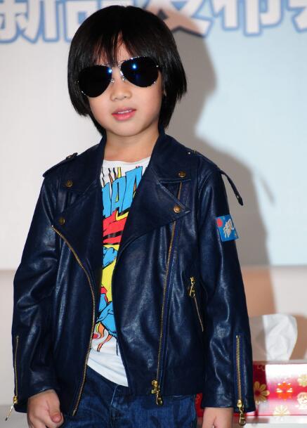 9岁李嫣自拍教化妆 娱乐圈的Babe都是时尚达人 - 嘉人marieclaire - 嘉人中文网 官方博客